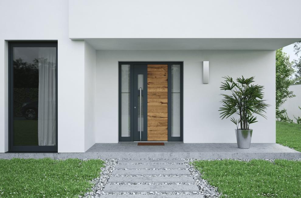 Vhodna vrata Inotherm na stanovanjskem objektu