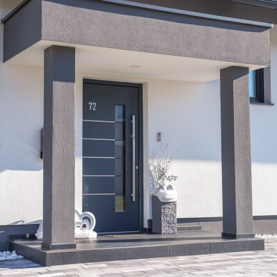 Siva vhodna vrata iz aluminija